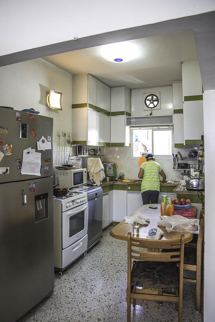 חדר סגור. המטבח לפני השיפוץ